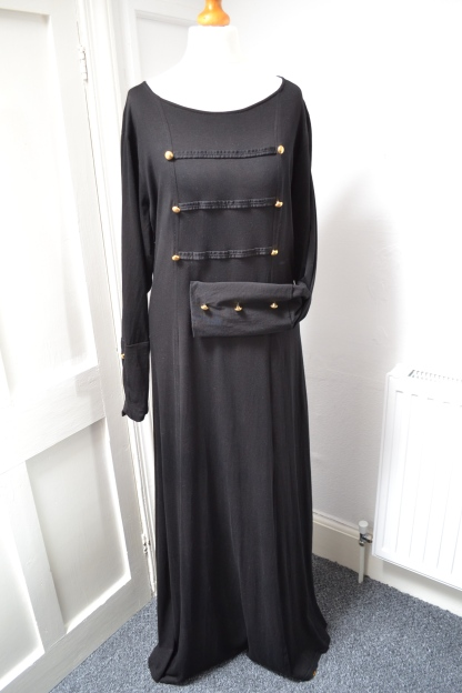 Black Marina Abaya chez OummAnna.fr