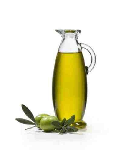 Ajouter de l'huile d'olive pour hydrater le cheveux