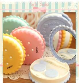 Miroir de poche proposé par Pastel Shades