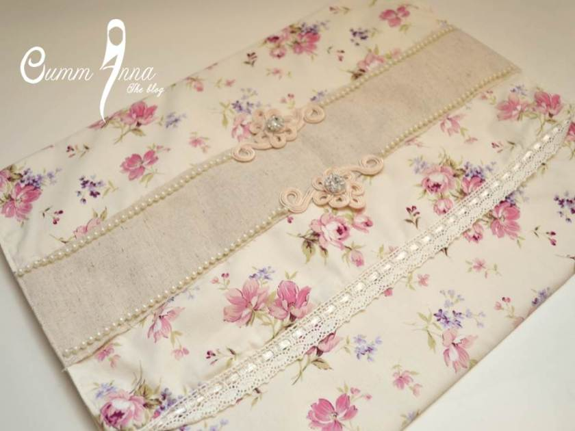 Pochette {Girly Chic} by OummAnna