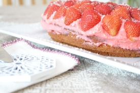 egg free cake recipe with coconut milk and strawberries