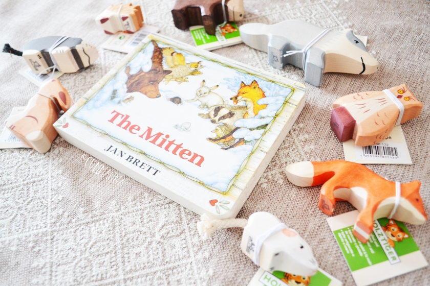 Holztiger Story set by Little acorns to Mighty Oaks